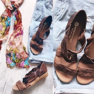 Eric Michael Nettie sandals